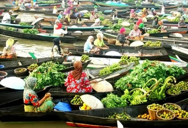 Floating Banjarmasin market 4