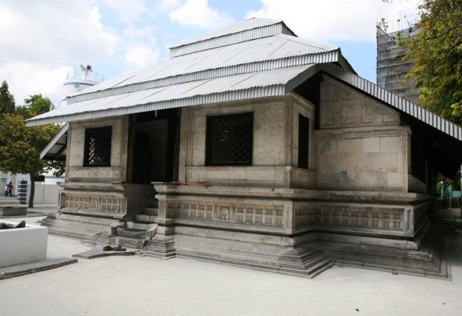 Friday mosque in the Maldives 3