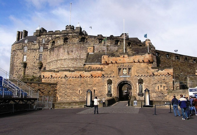 Edinburgh Castle or the key to Scotland 3
