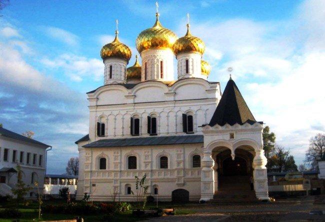 Holy Trinity Ipatiev Monastery 4