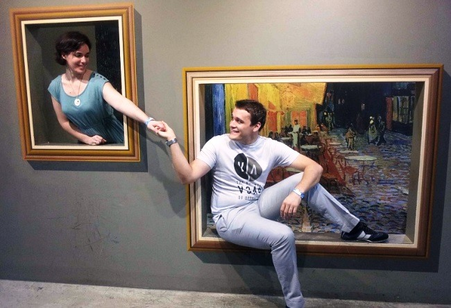 Museum optical illusion 4