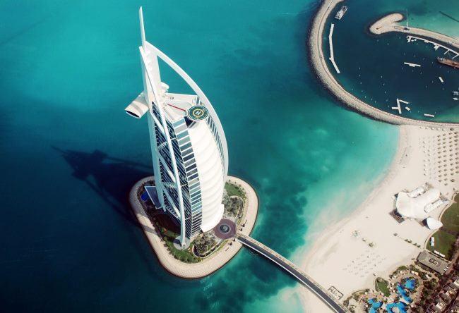 Al Arab the symbol of Dubai Burj 2