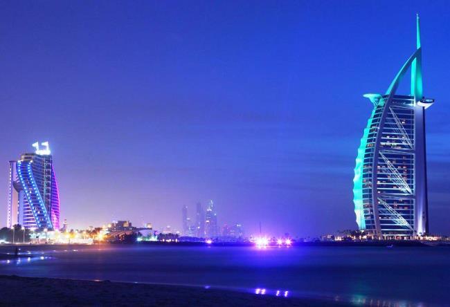 Al Arab the symbol of Dubai Burj 4