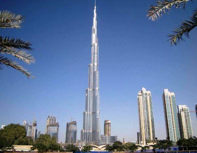 Real skyscraper Burj Khalifa 4