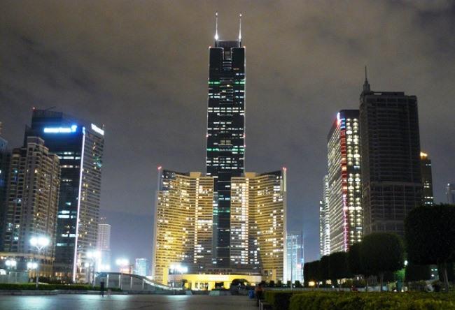Shun Hing Square in Shenzhen 5
