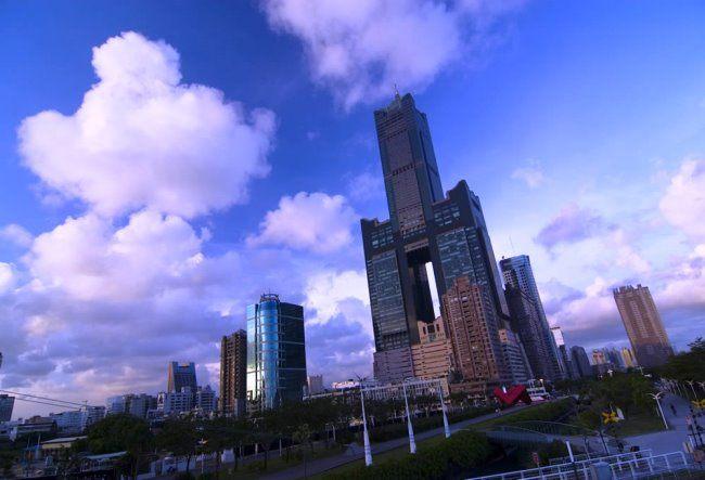 Skyscraper Tuntex Sky Tower in Kaohsiung 3