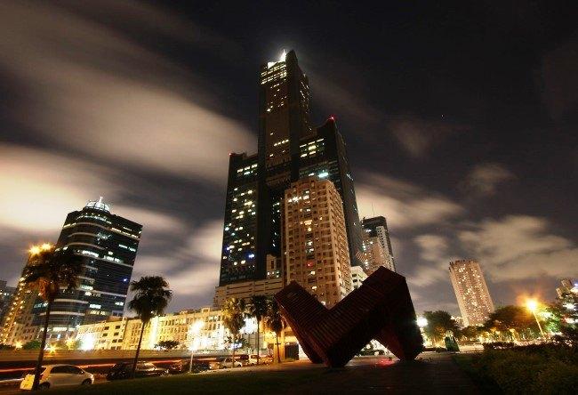 Skyscraper Tuntex Sky Tower in Kaohsiung 5