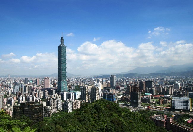 The worlds fastest elevators in Taipei 101 2