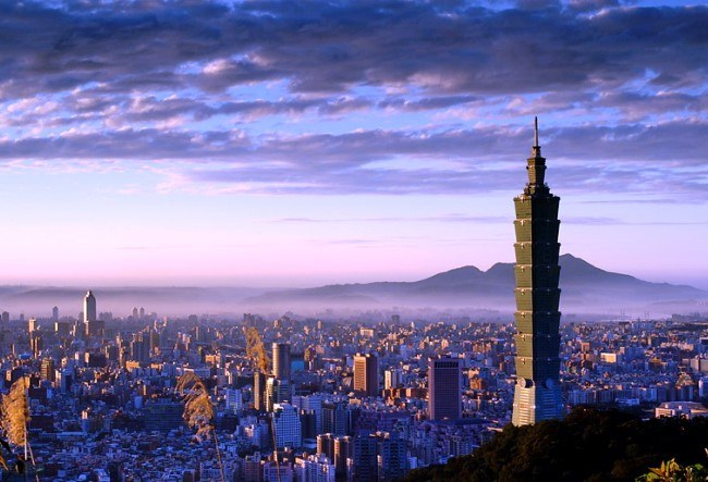 The worlds fastest elevators in Taipei 101 5