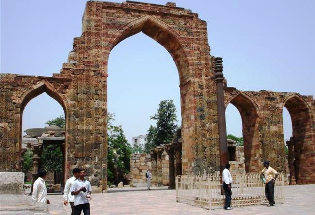 India Qutub Minar complex steel column Maharsuli 2