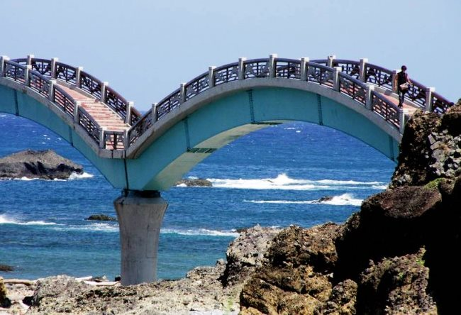 Dragon Bridge on the beautiful island 2