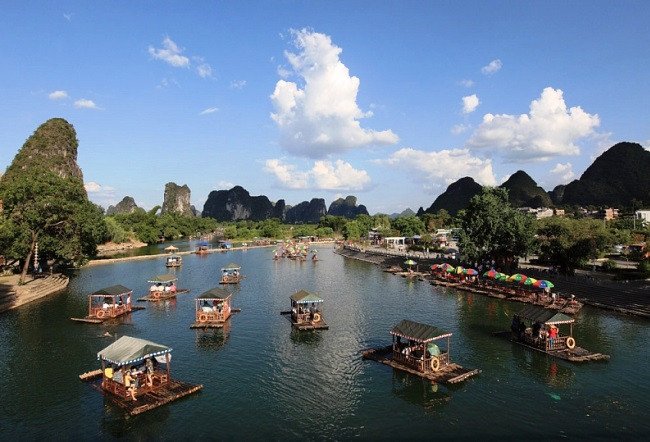 The natural magnetism of the Yangshuo city 2