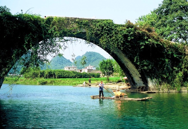 The natural magnetism of the Yangshuo city 4