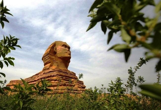 Sphinx in China True true 2