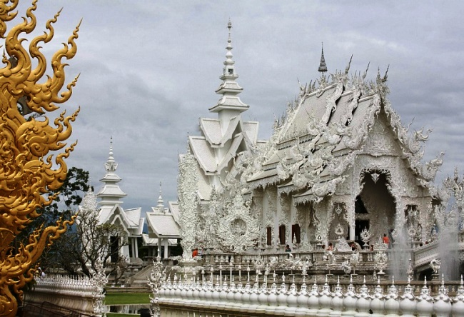 White Temple Wat Rong Khum 3