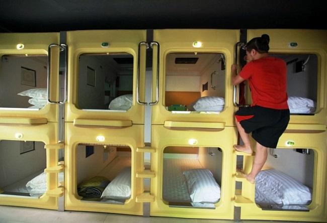 Why visit capsule hotel 2