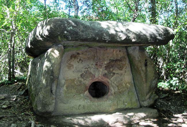 Mount Nexis dolmens 4