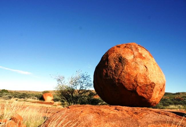 Непостижимые камни Карлу-Карлу близ Теннант-Крик 2