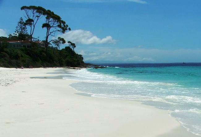 Пляж с самым белым песком в мире 3