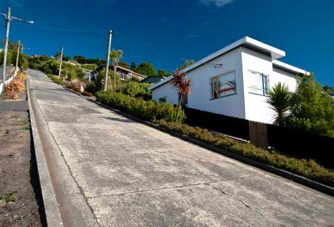 The steepest street in the world in the city of Dunedin 4