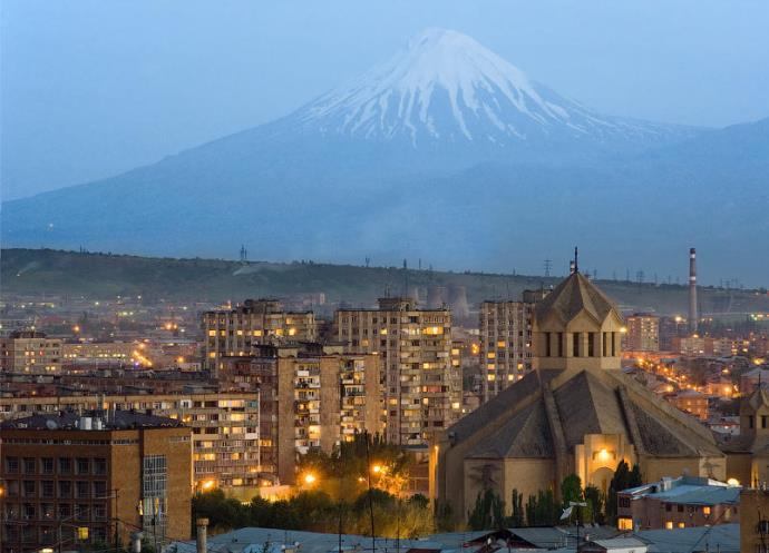 Интересные места Европы Розовый город Ереван 3