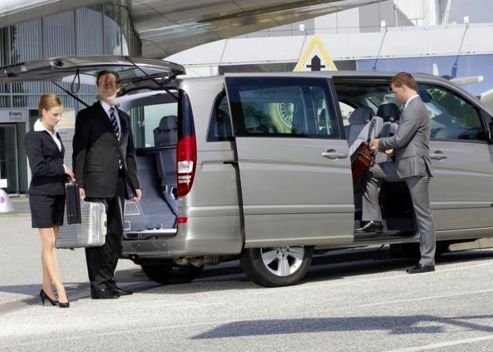 Минивэн такси в аэропорт 4