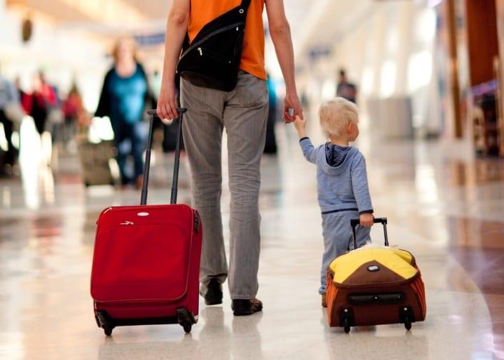 Разрешение на выезд ребенка в нотариальной конторе Авериной Е. 4