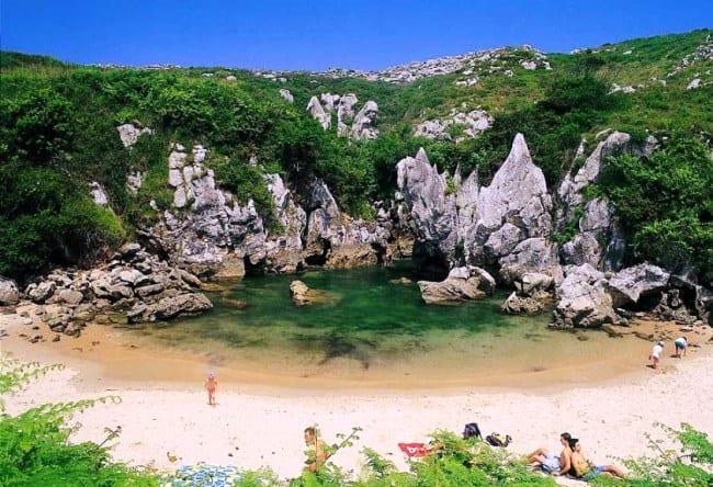 Фантастический пляж Gulpiyuri 5
