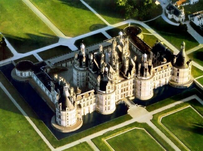 Древний удивительный замок Франции Шамбор