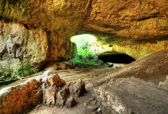 Карстовая пещера Девяташка в Болгарии 4 1516.ев