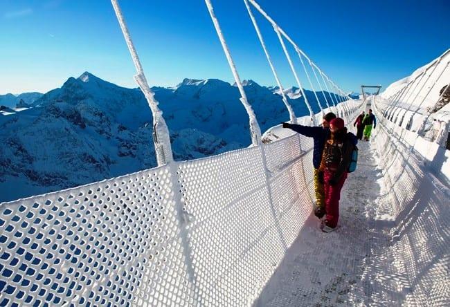 Уникальный подвесной мост Titlis Cliff Walk в Швейцарии 2 1500.ев