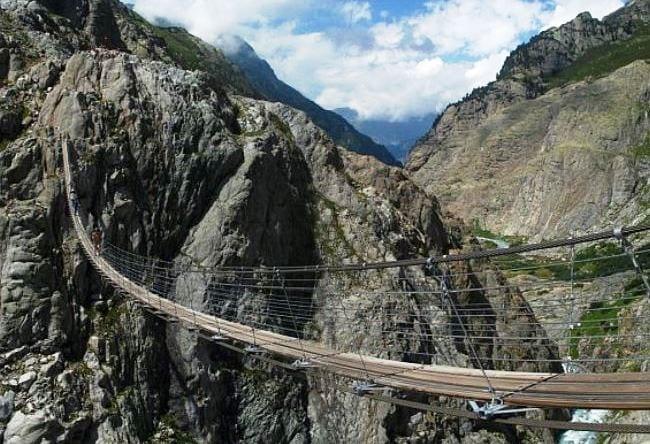 Уникальный подвесной мост Titlis Cliff Walk в Швейцарии 4 1500.ев