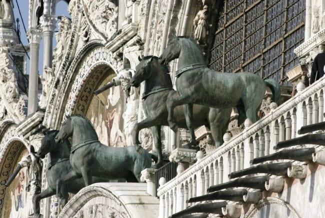 Бронзовая четверка лошадей собора Святого Марка