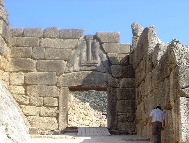 Львиные ворота древнего города Микены