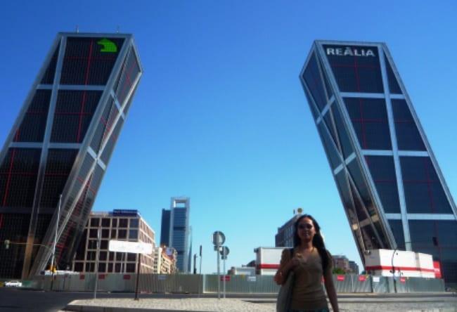 Давайте угадаем, упадут или нет Мадридские небоскребы