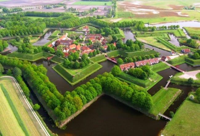 Крепость Bourtange в форме звезды 5