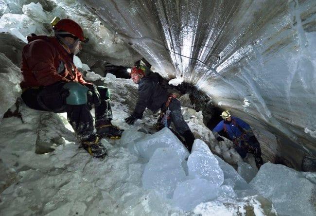 Достопримечательность природы  пещеры Мулен 5