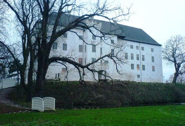 Самый посещаемый привидениями замок Дании  Драгсхолм 3