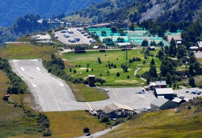 Самый оригинальный аэропорт в Европе 4