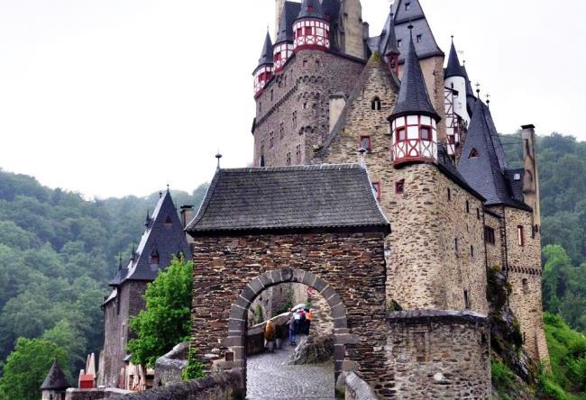 Самый посещаемый замок Германии 4