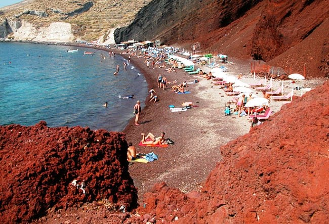 Обожженная земля острова Санторини 5