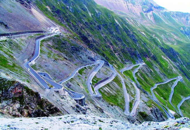 Highway Col de Turini is the drayverskogo road in the world 3