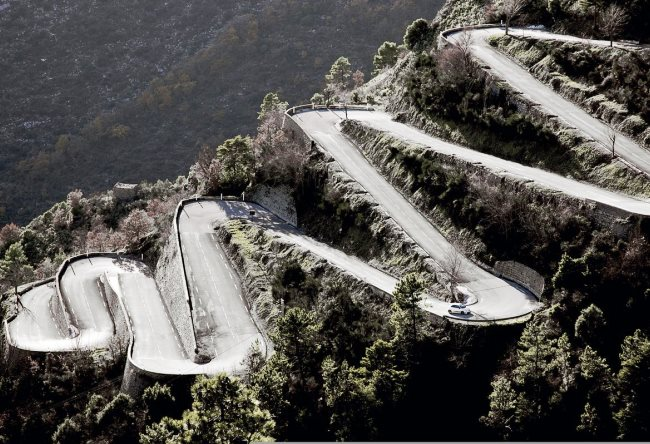 Highway Col de Turini is the drayverskogo road in the world 5