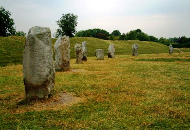 Megalithic complex in the north of Avebury Wiltshire 4