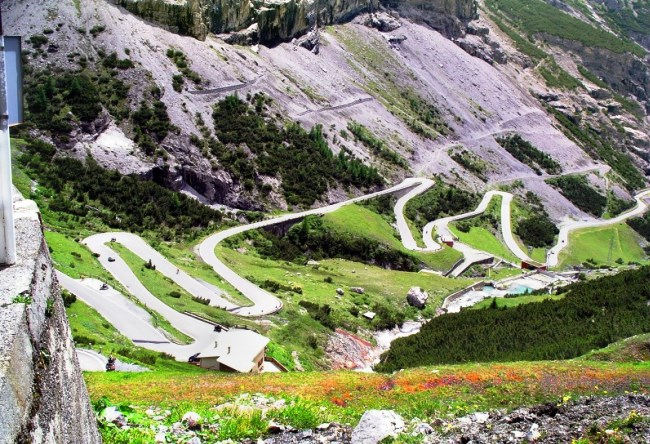Track Stelvio Pass Queen zigzags 2