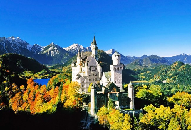 Neuschwanstein Castle is the miracle of architecture 3