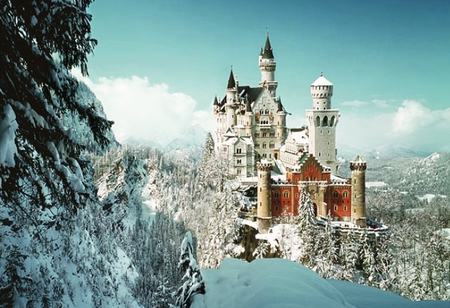 Neuschwanstein Castle is the miracle of architecture 5