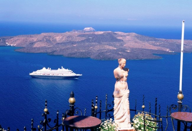 Santorini volcano or the end of the Minoan culture 4