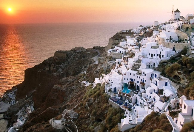 Santorini volcano or the end of the Minoan culture 5