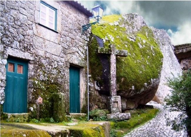 Gently enveloped boulders city Monsanto 3